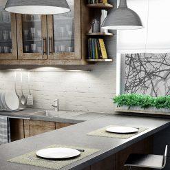 naklejka z gałązkami na okno w kuchni