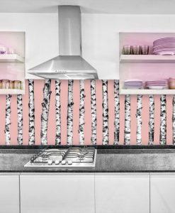 fototapeta z brzozami pod szklany panel w kuchni