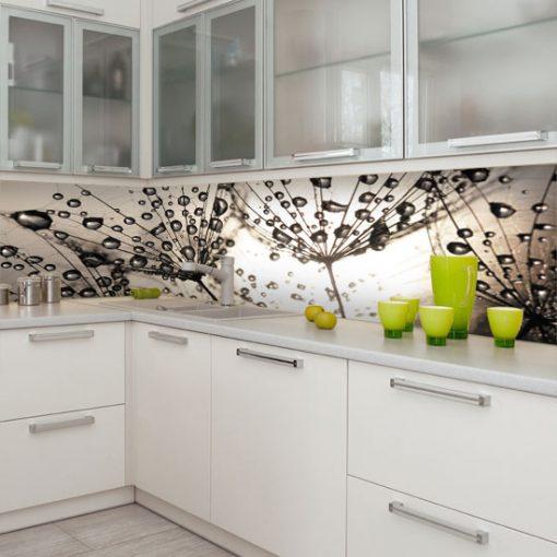 naklejka na szybę w kuchni z dmuchawcami