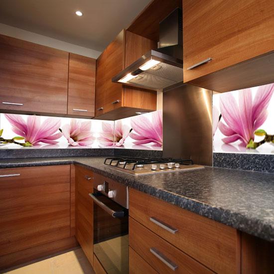 magnolie naklejki na szyby w kuchni