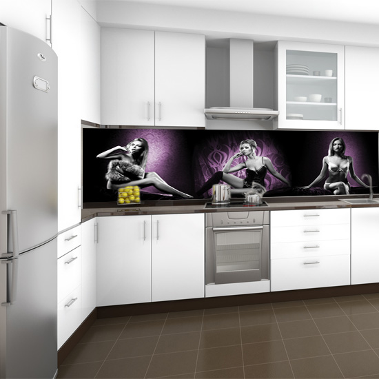 dekoracja kuchenna miedzy szafki