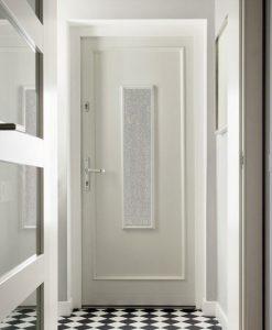 folia na szyby w drzwiach