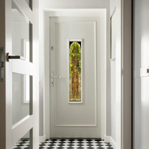 Naklejki na szybę w drzwiach