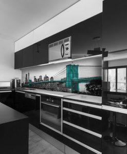 okleina na szybę kuchenną z motywem nowojorskiego mostu