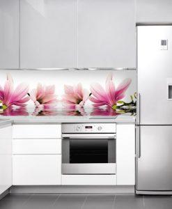okleina na szybę w kuchni magnolia