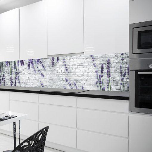 fototapeta pod szkło w kuchni lawenda i cegły