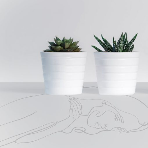 naklejka z motywem kobiety na szklany blat stołu