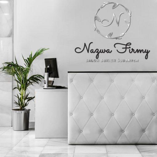 Trójwymiarowy znak firmowy z literką do salonu sukien ślubnych